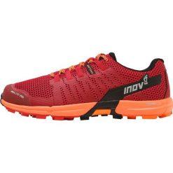 Inov8 ROCLITE 290 Obuwie do biegania Szlak red/orange. Czerwone buty do biegania męskie Inov-8, z materiału. W wyprzedaży za 398,30 zł.