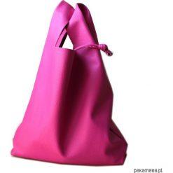 Landrynkowy worek. Czerwone shopper bag damskie Pakamera, ze skóry, na ramię. Za 150,00 zł.