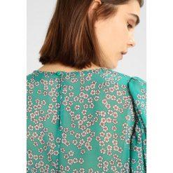 Bluzki asymetryczne: Gina Tricot LISA BLOUSE Bluzka green