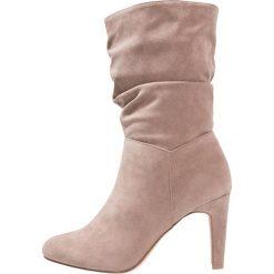 Anna Field Kozaki na obcasie taupe. Brązowe buty zimowe damskie marki Anna Field. W wyprzedaży za 126,75 zł.