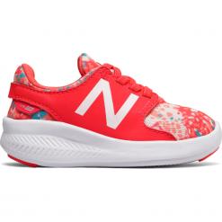 New Balance KACSTMDI. Różowe buty sportowe chłopięce marki New Balance, na lato, z materiału. W wyprzedaży za 89,99 zł.