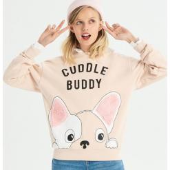Bluza Cuddle buddy - Kremowy. Białe bluzy damskie marki Sinsay, l, z napisami. Za 49,99 zł.