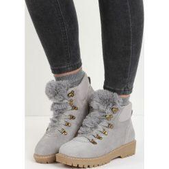 Szare Traperki What You're Doing. Szare buty zimowe damskie marki Born2be, z okrągłym noskiem, na płaskiej podeszwie. Za 109,99 zł.