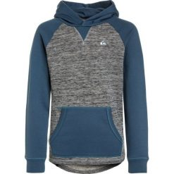 Quiksilver Bluza z kapturem real teal. Niebieskie bluzy chłopięce rozpinane marki Quiksilver, l, narciarskie. W wyprzedaży za 170,10 zł.