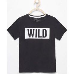 Odzież chłopięca: T-shirt z nadrukiem wild – Czarny