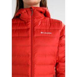 Columbia LAKE Kurtka puchowa sail red. Czerwone kurtki damskie puchowe marki Columbia, xl, z materiału. W wyprzedaży za 423,20 zł.
