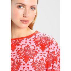Bluzki asymetryczne: Karen by Simonsen TAME TEE Bluzka red