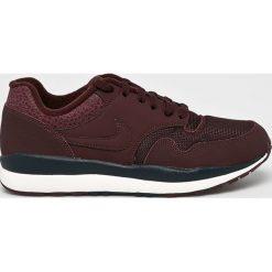 Nike Sportswear - Buty Nike Air Safari. Czarne halówki męskie Nike Sportswear, z materiału, na sznurówki. W wyprzedaży za 339,90 zł.