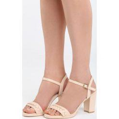 Beżowe Sandały Blue Head. Białe sandały damskie na słupku marki Reserved, na wysokim obcasie. Za 79,99 zł.