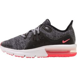 Nike Performance AIR MAX SEQUENT 3  Obuwie do biegania treningowe black/anthracite/cool grey/racer pink. Czarne buty sportowe dziewczęce Nike Performance, z materiału, do biegania. W wyprzedaży za 251,30 zł.