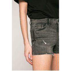 Calvin Klein Jeans - Szorty. Szare szorty jeansowe damskie marki Calvin Klein Jeans, casualowe. W wyprzedaży za 279,90 zł.