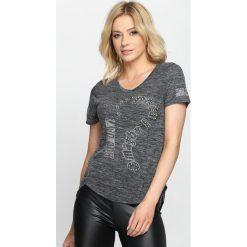 Szary T-shirt Feelings. Szare bluzki z odkrytymi ramionami marki Born2be, m, z aplikacjami, z dekoltem w serek, z krótkim rękawem. Za 19,99 zł.
