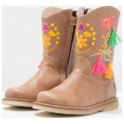 Buty zimowe damskie: Shoesme Kozaki taupe