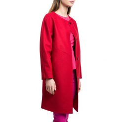 Płaszcz damski 84-9W-106-3. Czerwone płaszcze damskie marki Wittchen, s, z futra, z kapturem. Za 499,00 zł.