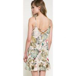 Answear - Sukienka. Szare sukienki mini marki ANSWEAR, na co dzień, l, z poliesteru, casualowe, z okrągłym kołnierzem, proste. W wyprzedaży za 59,90 zł.