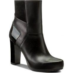 Botki GINO ROSSI - Serena DBH131-T14-E149-9999-0 99/99. Czarne buty zimowe damskie marki Gino Rossi, z lakierowanej skóry. W wyprzedaży za 299,00 zł.