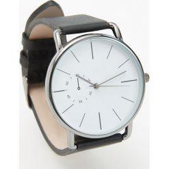 Zegarki męskie: Zegarek ze skórzanym paskiem – Czarny