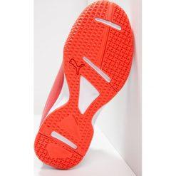 Puma EVOIMPACT 5.3 Obuwie do piłki ręcznej white/black/cherry tomato. Białe buty do koszykówki damskie Puma, z gumy. W wyprzedaży za 151,20 zł.