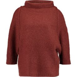 Swetry klasyczne damskie: And Less FLEKKEFJORD Sweter hot chocolate