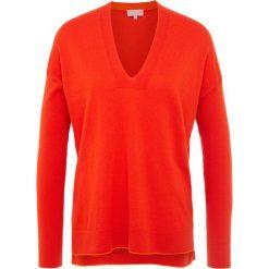Escada Sport SLITYN Sweter red. Czerwone swetry klasyczne damskie Escada Sport, xl, z kaszmiru. Za 1049,00 zł.