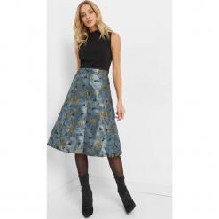 Żakardowa sukienka midi. Czarne sukienki dzianinowe marki Orsay, xs, z dekoltem na plecach. Za 139,99 zł.
