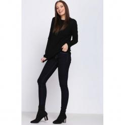 Czarny Sweter Misconceiving. Czarne swetry klasyczne damskie Born2be, na jesień, l. Za 44,99 zł.