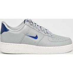 Nike Sportswear - Buty Air Force. Szare buty skate męskie Nike Sportswear, z gumy, na sznurówki. W wyprzedaży za 399,90 zł.