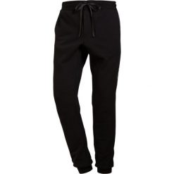 D.GNAK SIDE THORN JOGGER PANTS Spodnie treningowe black. Czarne spodnie dresowe męskie D.GNAK, z bawełny. Za 919,00 zł.
