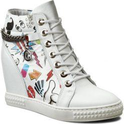 Sneakersy CARINII - B3028/F G34-000-000-B88. Białe sneakersy damskie Carinii, z materiału. W wyprzedaży za 249,00 zł.