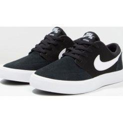 Nike SB SB PORTMORE II Tenisówki i Trampki black/white. Czarne trampki dziewczęce Nike SB, z materiału. Za 229,00 zł.