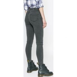 Review - Jeansy. Szare jeansy damskie rurki marki Review, l, z tkaniny, z okrągłym kołnierzem. W wyprzedaży za 129,90 zł.