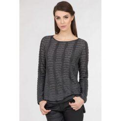 Swetry klasyczne damskie: Sweter z nieregularnym wzorem
