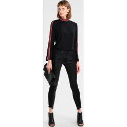Vila VIMALIKKA 7/8 Jeans Skinny Fit black. Czarne jeansy damskie marki Vila, z bawełny. W wyprzedaży za 188,10 zł.