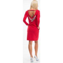 Sukienki: Czerwona sukienka z dekoltem na plecach 1368