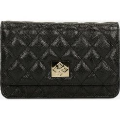 Czarna torebka przez ramię. Czarne torebki klasyczne damskie marki Kazar, w paski, z materiału, pikowane. Za 499,00 zł.