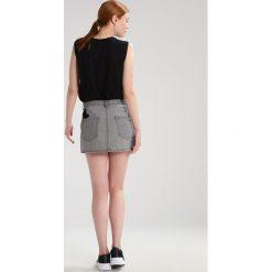 Kengstar Spódnica mini denim grey. Szare minispódniczki Kengstar, z bawełny. W wyprzedaży za 405,30 zł.