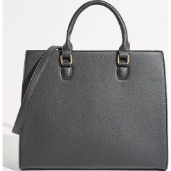 Torba City Bag - Czarny. Czarne torebki klasyczne damskie Sinsay. Za 89,99 zł.