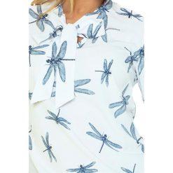Bluzka z wiązaniem z przodu - BIAŁA w WAŻKI. Szare bluzki z odkrytymi ramionami marki Top Secret, z nadrukiem. Za 109,99 zł.