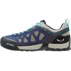 Salewa FIRETAIL 3 Obuwie hikingowe dark denim/aruba blue. Białe buty sportowe damskie marki Nike Performance, z materiału, na golfa. W wyprzedaży za 419,25 zł.