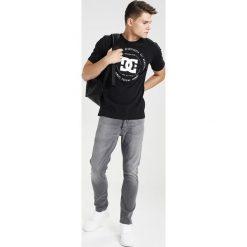 Denham RAZOR Jeansy Straight Leg grey denim. Szare jeansy męskie regular Denham. Za 799,00 zł.