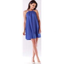 Niebieska Trapezowa Sukienka Koktajlowa z Dekoltem Halter-neck. Niebieskie sukienki balowe marki Molly.pl, na spacer, l, z dekoltem halter, na ramiączkach, mini, rozkloszowane. Za 119,90 zł.