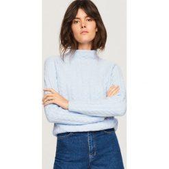 Sweter ze stójką - Niebieski. Niebieskie swetry klasyczne damskie Reserved, l, ze stójką. Za 119,99 zł.