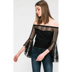 Guess Jeans - Bluzka. Szare bluzki asymetryczne Guess Jeans, l, z aplikacjami, z dzianiny, casualowe, z asymetrycznym kołnierzem. W wyprzedaży za 229,90 zł.