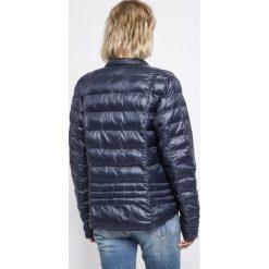 Vero Moda - Kurtka. Niebieskie kurtki damskie pikowane marki Vero Moda, z bawełny. W wyprzedaży za 89,90 zł.