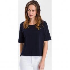 Koszulka w kolorze granatowym. Niebieskie t-shirty damskie marki Cross Jeans, s, z bawełny, z okrągłym kołnierzem. W wyprzedaży za 45,95 zł.