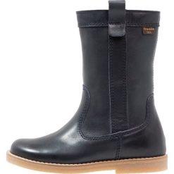 Froddo Kozaki dark blue. Niebieskie buty zimowe damskie Froddo, z materiału, na wysokim obcasie. W wyprzedaży za 258,30 zł.
