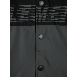 Element Kurtka przejściowa flint black. Czarne kurtki chłopięce przejściowe marki Element, z materiału. W wyprzedaży za 209,30 zł.