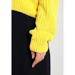 Swetry klasyczne damskie: JUST FEMALE Sweter buttercup