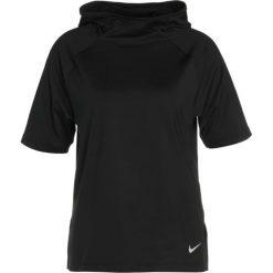 Nike Performance Tshirt z nadrukiem black/silver. Czarne topy sportowe damskie marki Nike Performance, xs, z nadrukiem, z elastanu. W wyprzedaży za 179,25 zł.