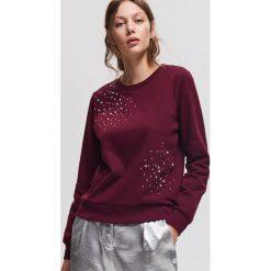 Bluza z aplikacjami - Bordowy. Czerwone bluzy damskie Reserved, l, z aplikacjami. Za 69,99 zł.
